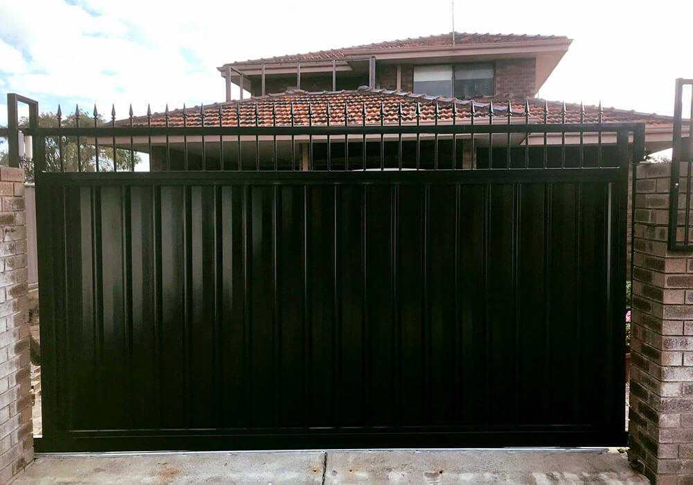 Rockingham Security Black Gates